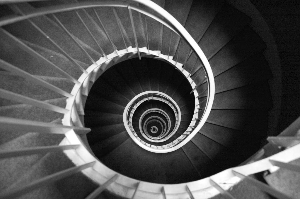 Escalera de caracol el blog de v ctor candel - Cerrar escalera caracol ...